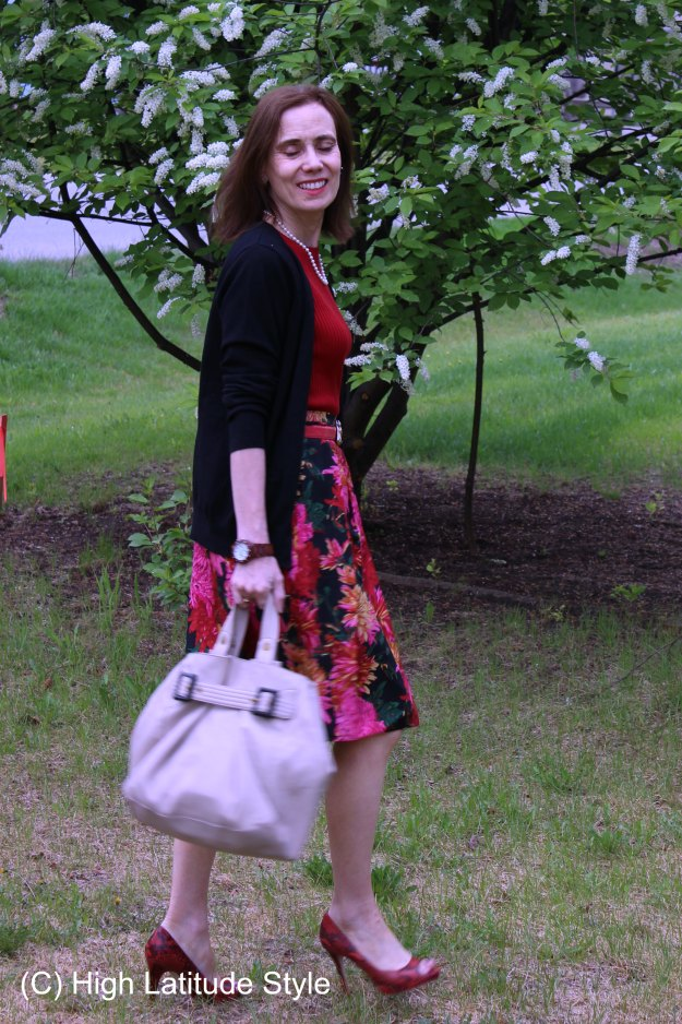 summer business casual outfit to go from work to picnic