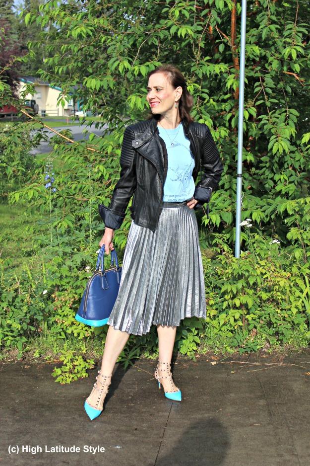 #fashionover40 mature woman wearing streetstyle
