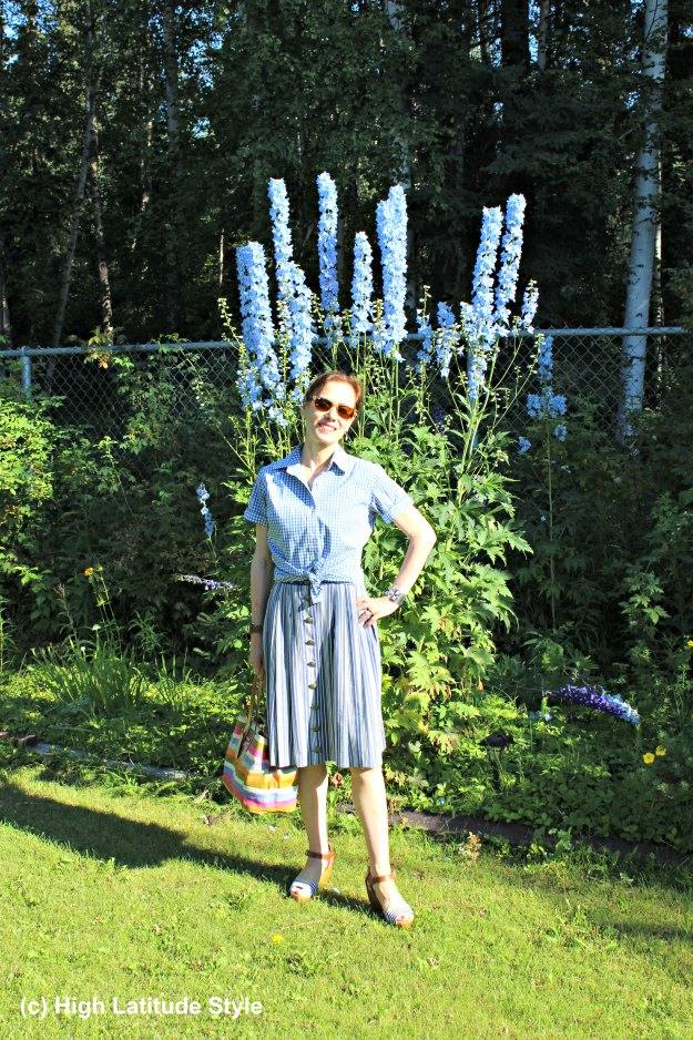 #styleover50 mature woman in a white and blue summer weekend look