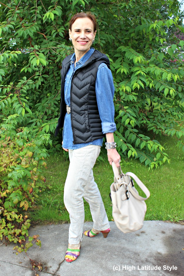 #styleover50 Mature Alaskan woman in a casual fall outfit
