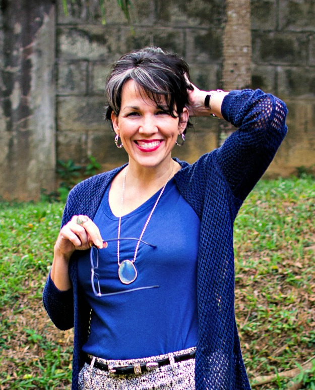 midlife fitness and health blogger with chic gray streaks