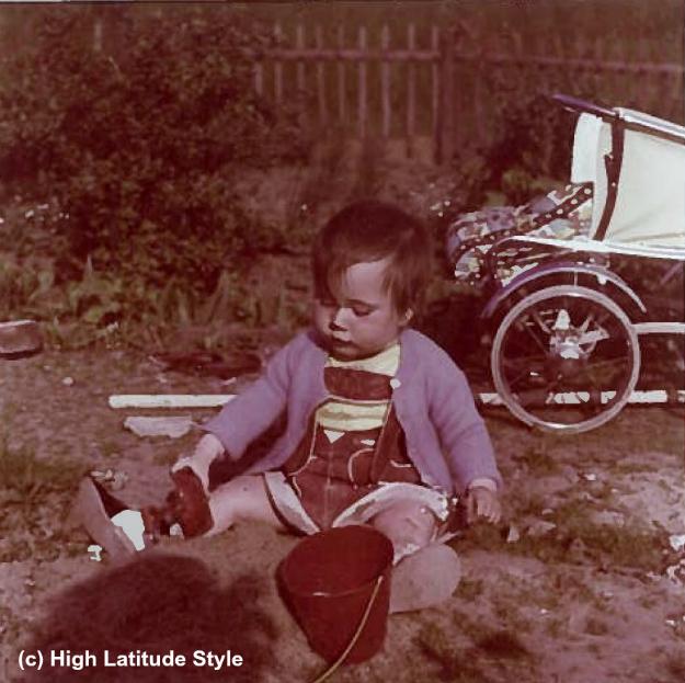 toddler in lederhose