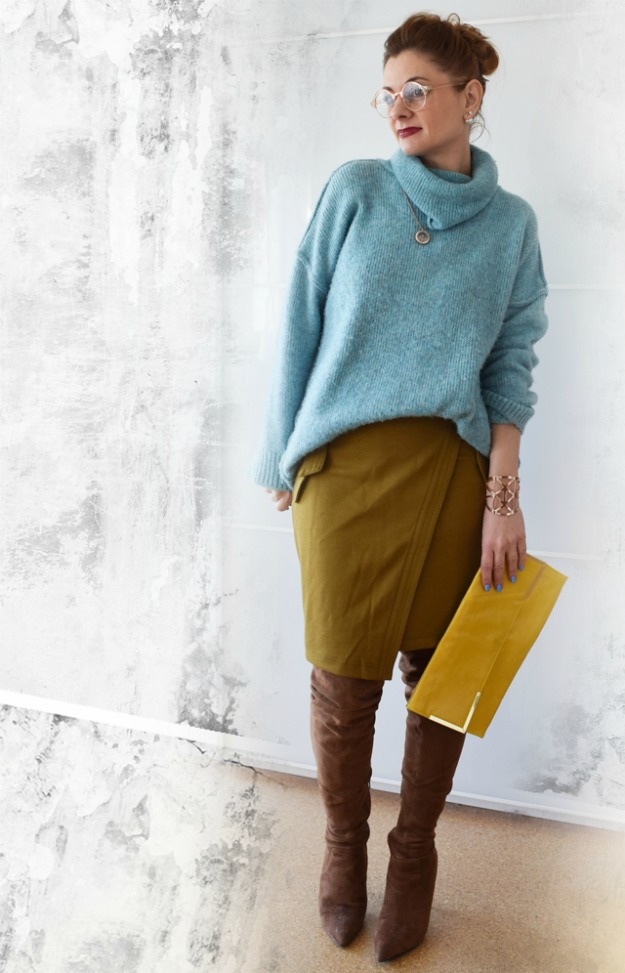 midlife style blogger Chrissie wearing an unexpected color combination