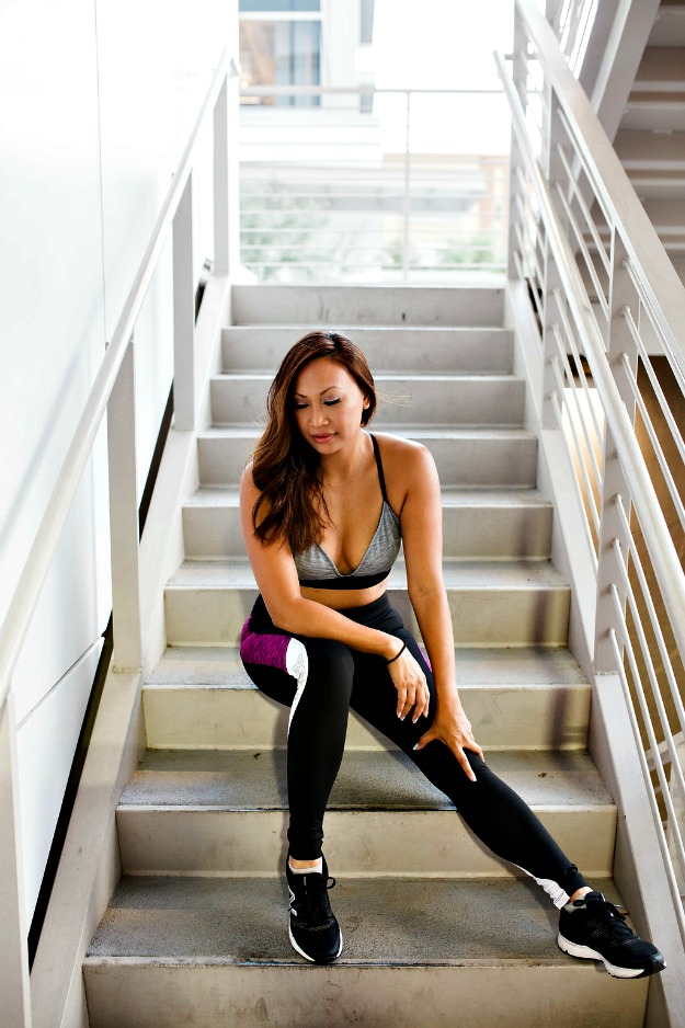 #fashionover40 woman in stylish fitness gear