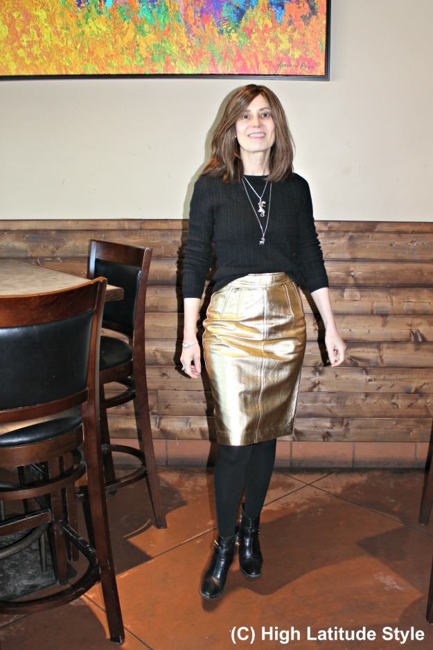 fashionover40 woman wearing mixed metals in one outfit