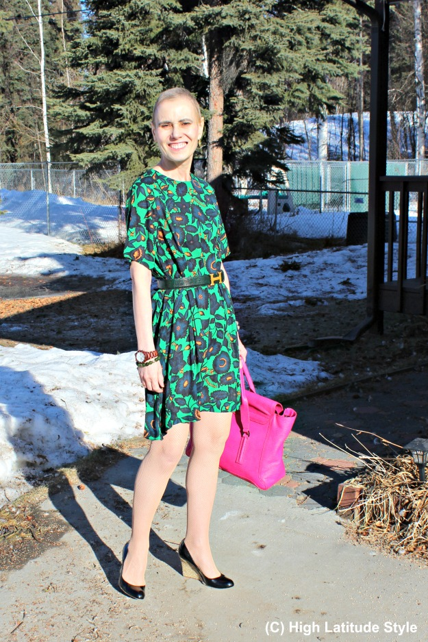 style blogger in a trandy dress styled as a summer work outfit