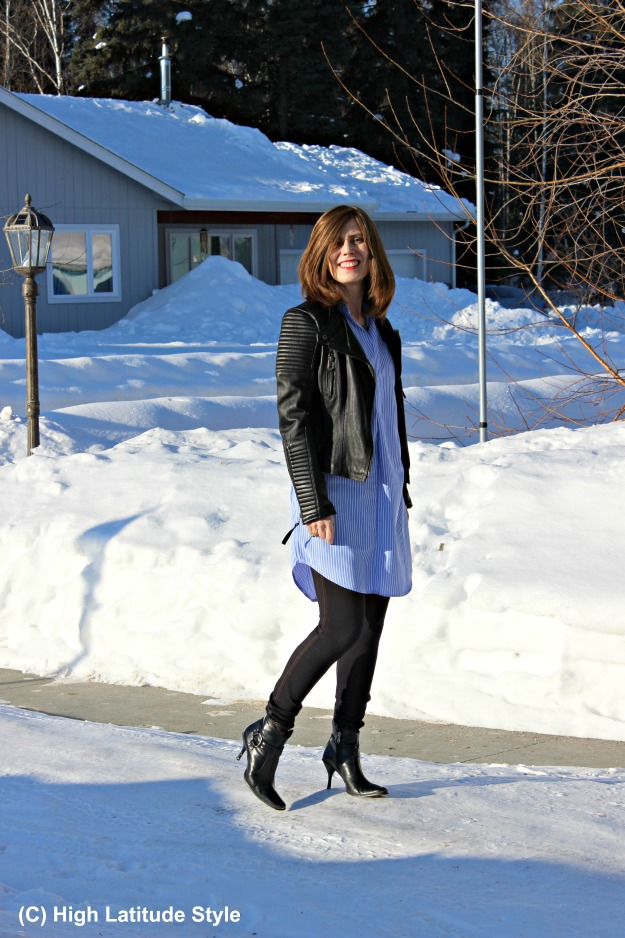fashionover 40 woman in spring outfit in the 49th state