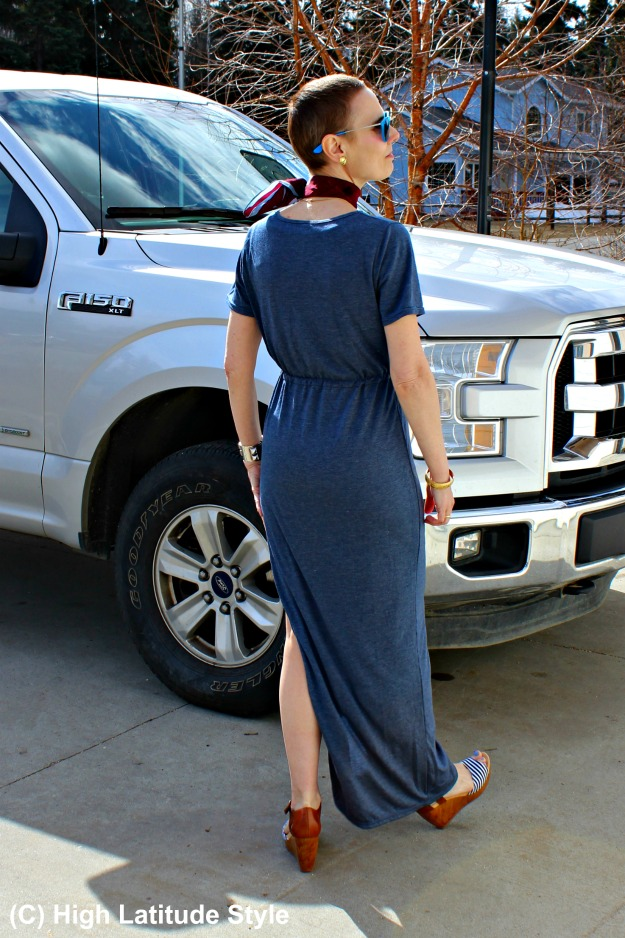 style blogger Nicole in casual weekend outfit with Just Fashion Now dress