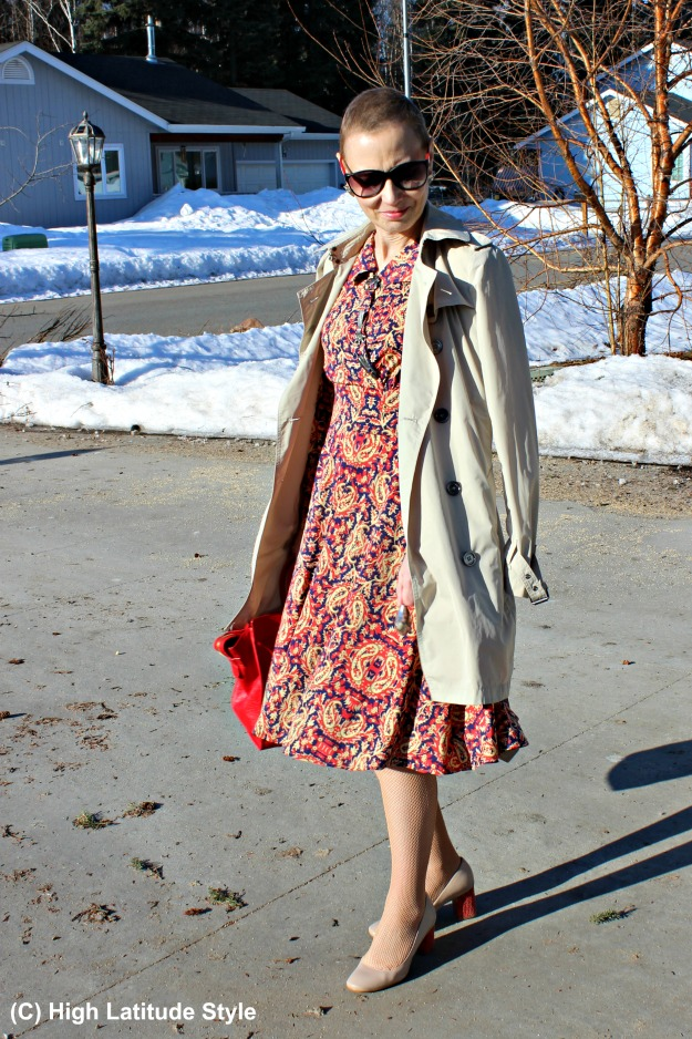 style over 40 woman in spring office outfit