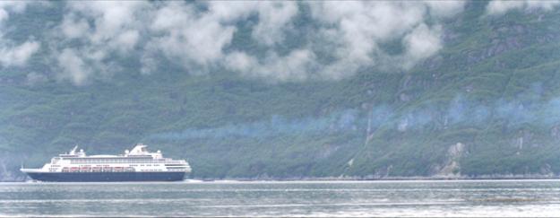 cruise ship travel in Glacier Bay National Park