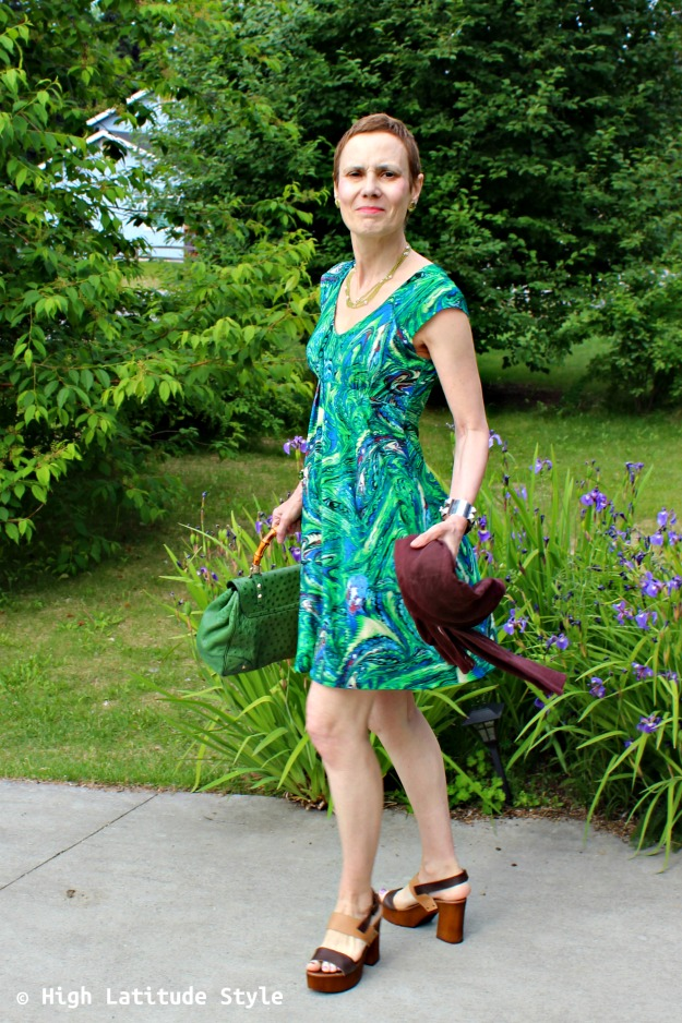 #advancedfashion woman in green summer dress