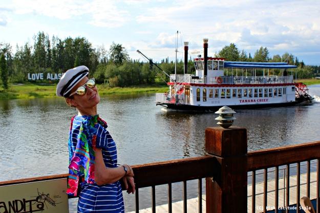 Alaska travel tips dining cruise on the Tanana Chief