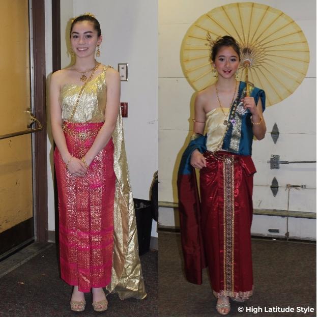 Women in Thai festive outfits