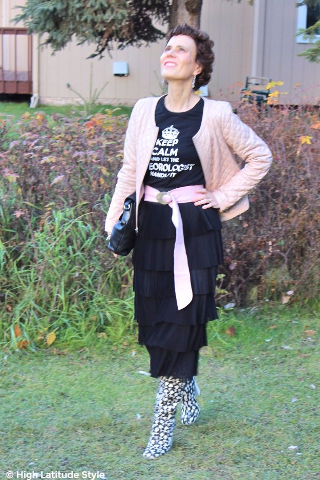 #midlifefashion woman in chic Thanksgiving brunch outfit