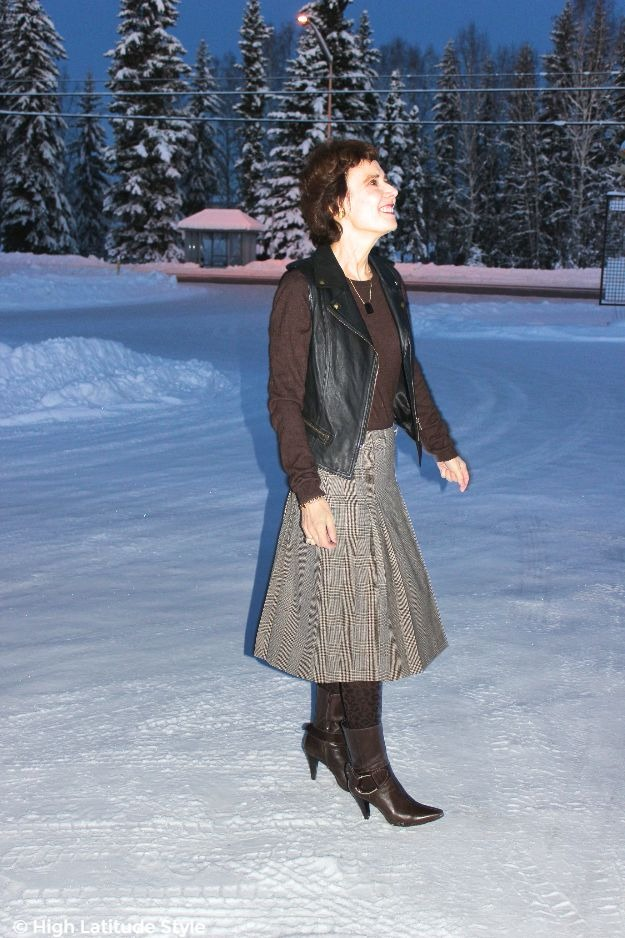 fashion blogger in work outfit with a Pendleton pleated skirt