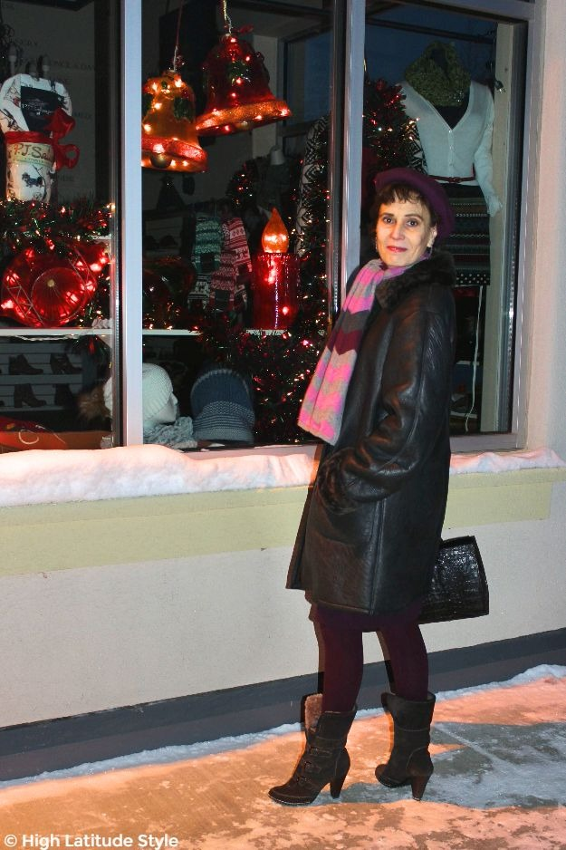 #advancedstyle #maturestyle woman in outerwear in a small shopping mall