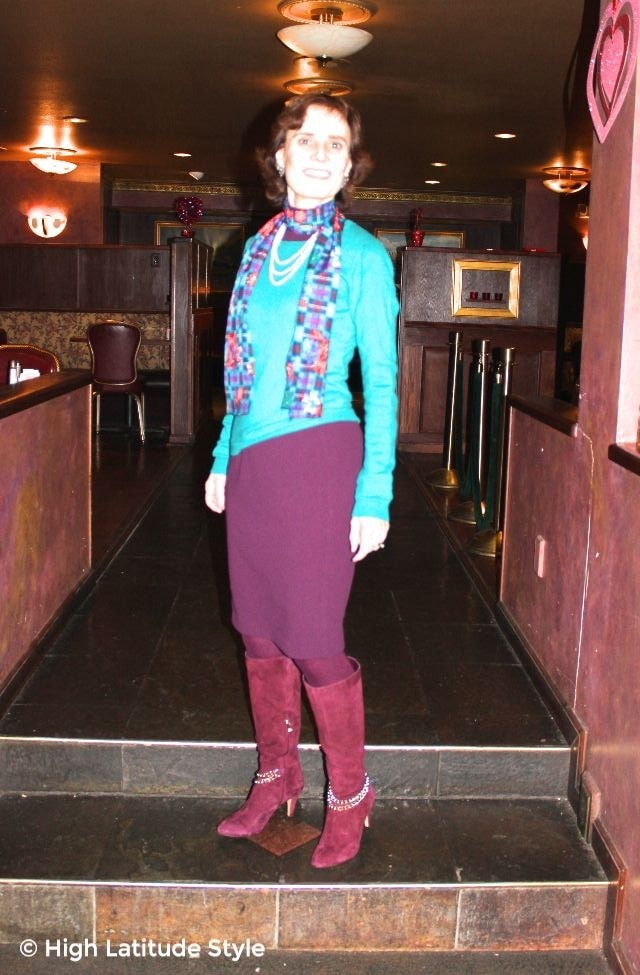 #advancedfashion woman in work outfit with long shawl