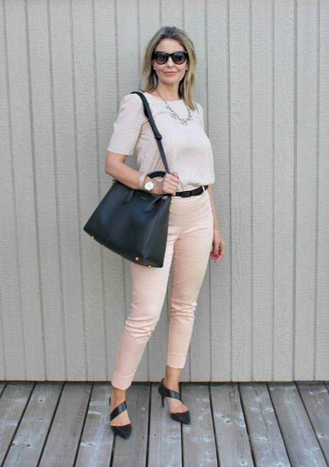 Susan of Ava Grace's Closet in a posh chic casual warm season look