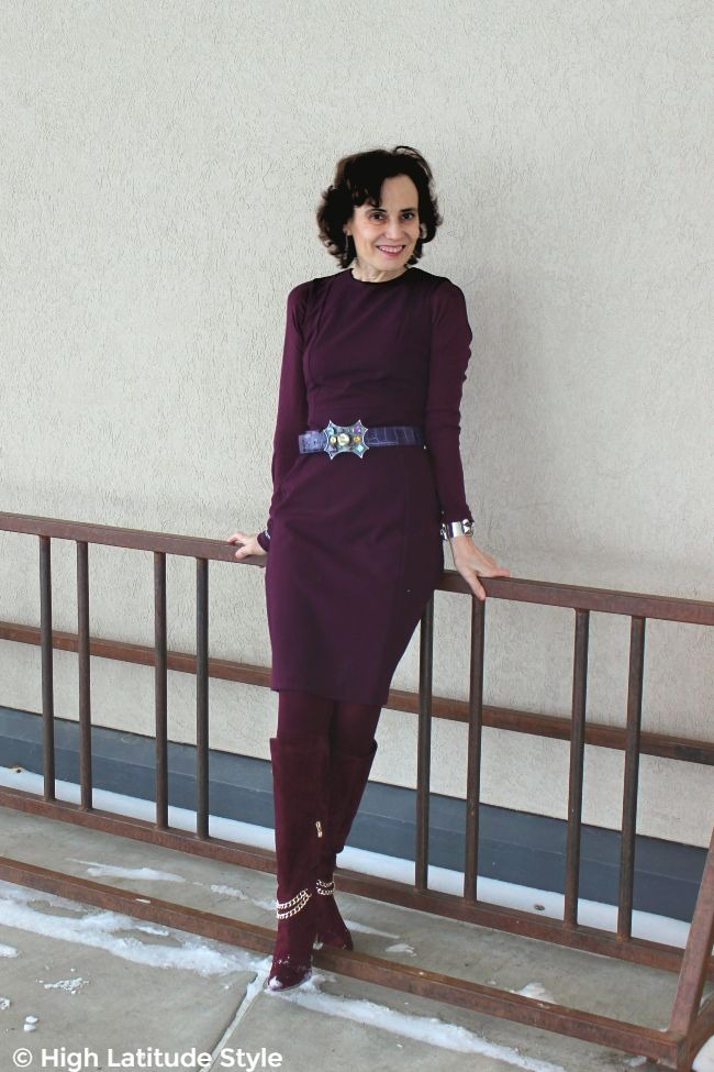#fashionover40 lady in monochromatic outfit with purple pop of color