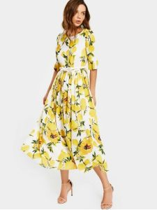 #budgetstyle trendy dress that is suitable for women in midlife