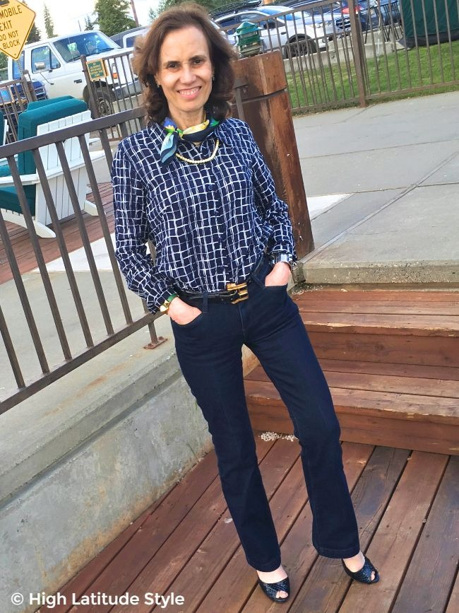 babyboomer woman in Ethyl jeans with perfect fit