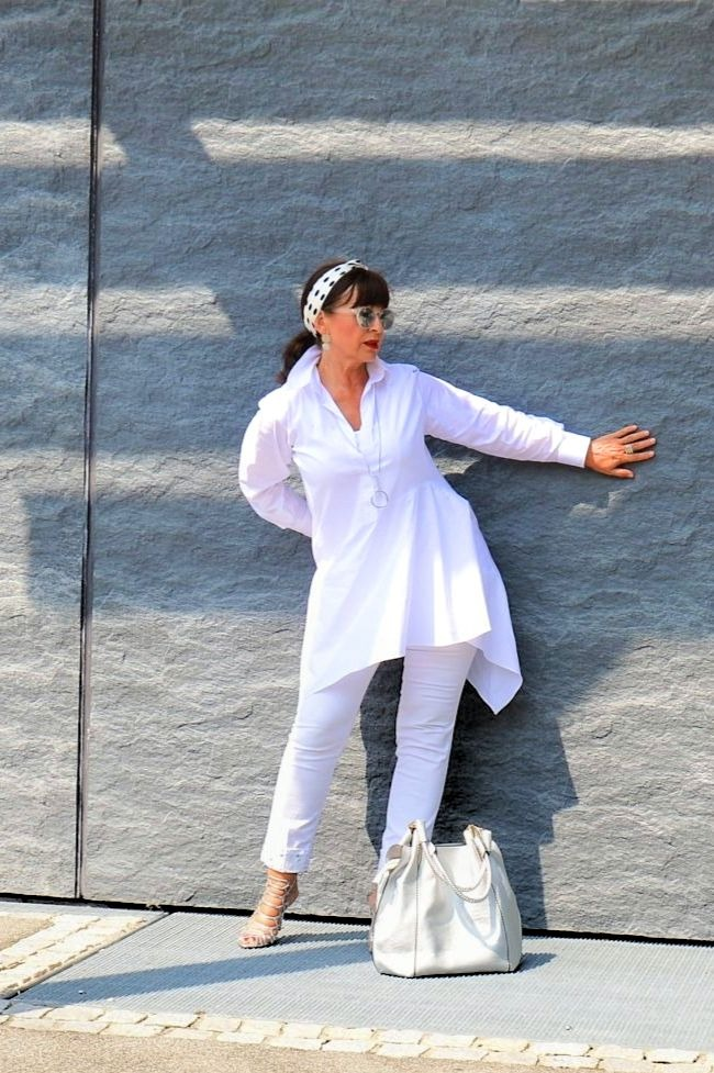 #linkup Top of the World OOTD Readers' Fav Martina Berg of Lady 50 Plus in all white summer look