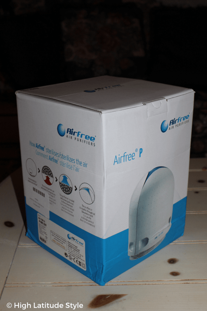 photo of the package of the air purifying unit