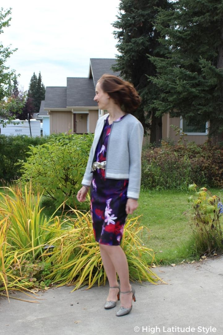 #advancedstyle fashion blogger in scuba printed sheath and jacket with pumps