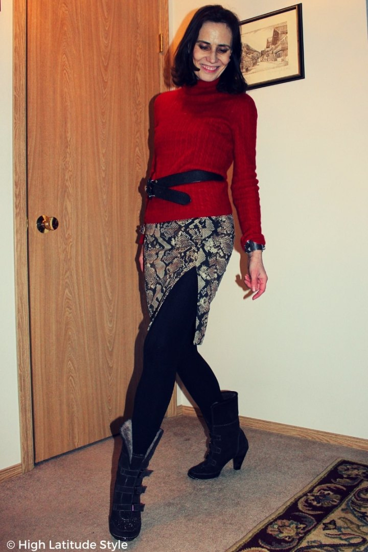 #trendsover40 fashion blogger donning the snakeskin trend with a skirt