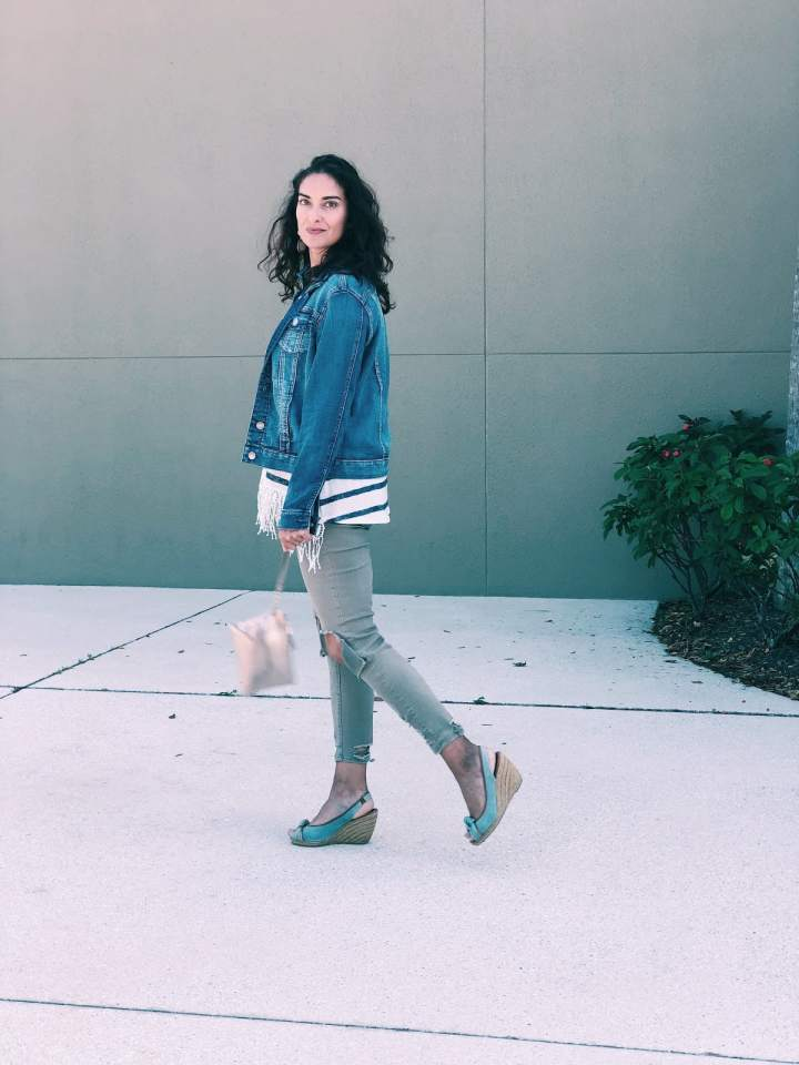 Top of the World OOTD Readers' Fav Chrissy of Granola and Grace in wedges and denim look