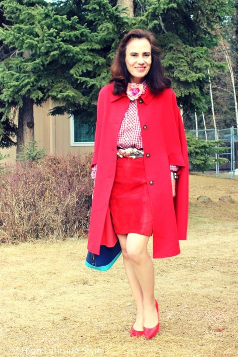 petite style blogger in street wear in red with a pop of blue
