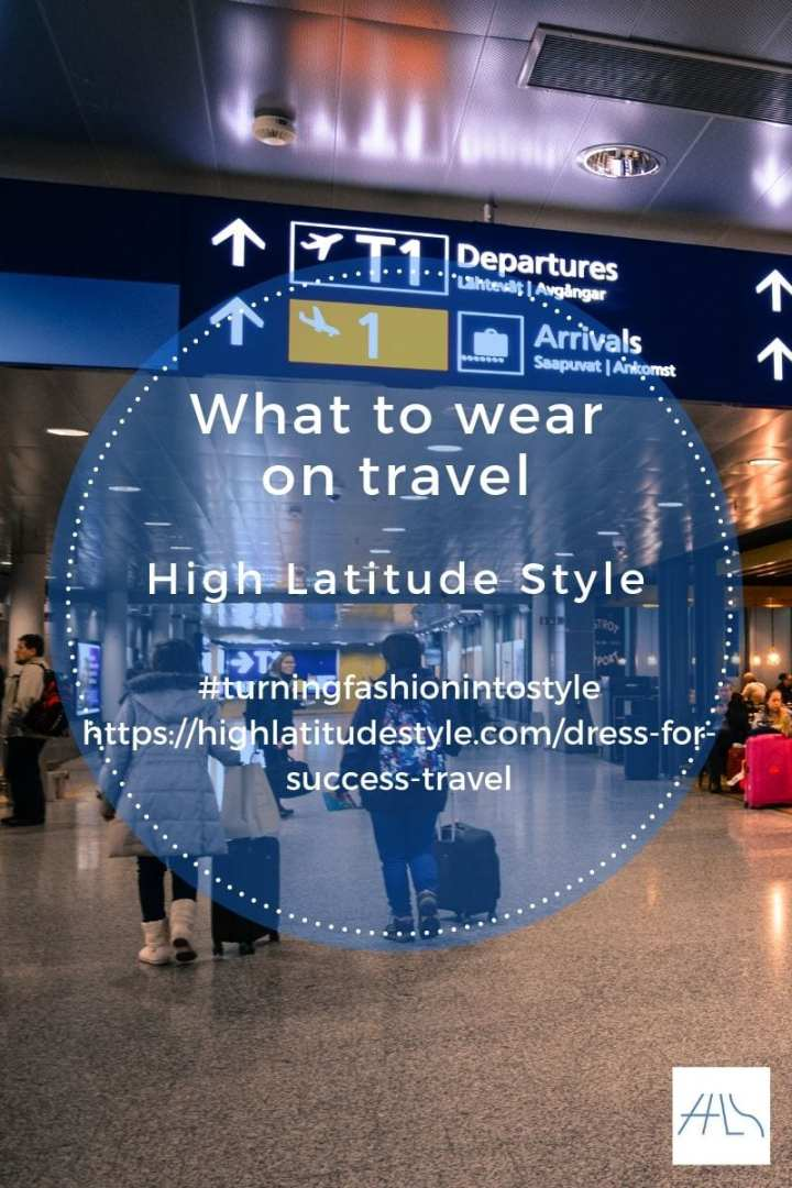 what to wear on travel post banner with tourists walking at an airport