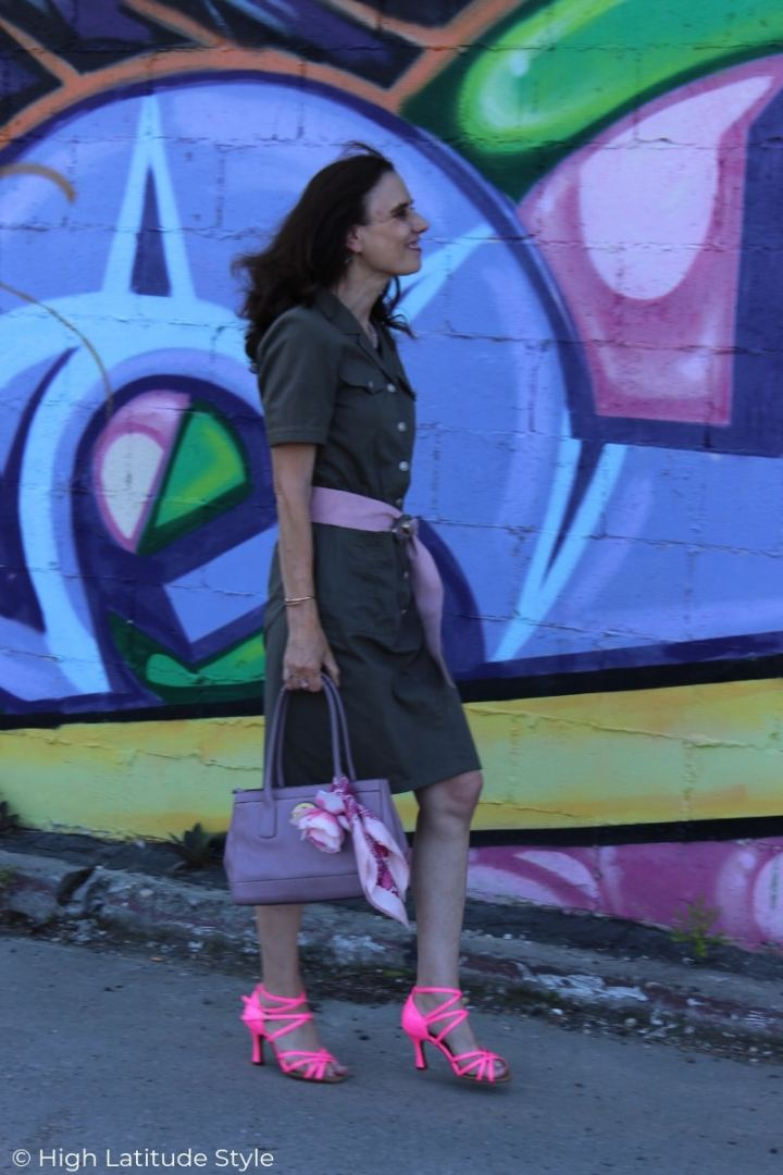 fashion blogger in magenta, pink, lilac, olive colors summer business casual look