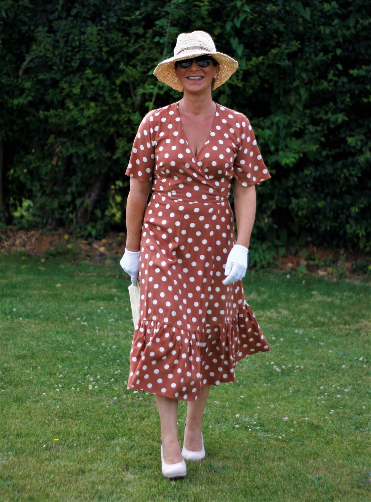 Top of the World Style Winner Jacqui of Mummy B Stylish in a pretty woman dress