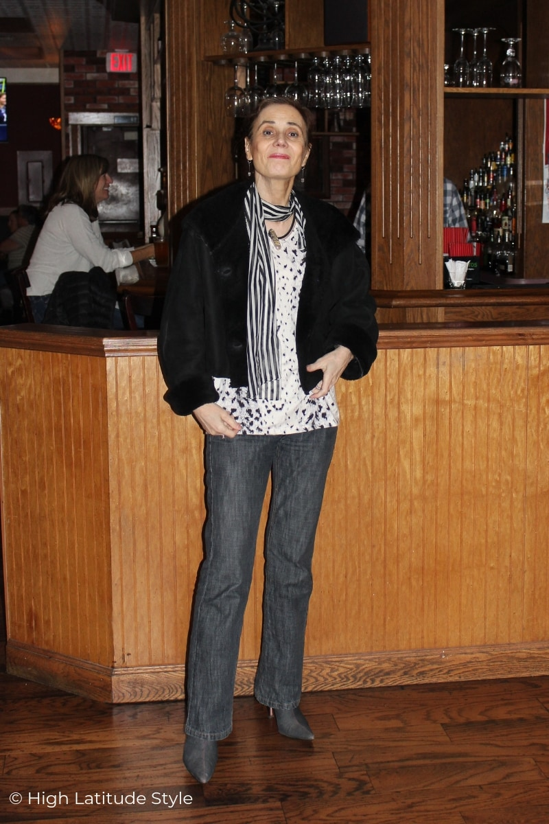 Nicole of High Latitude Style doning an all neutral colors casual fall look with snow leo