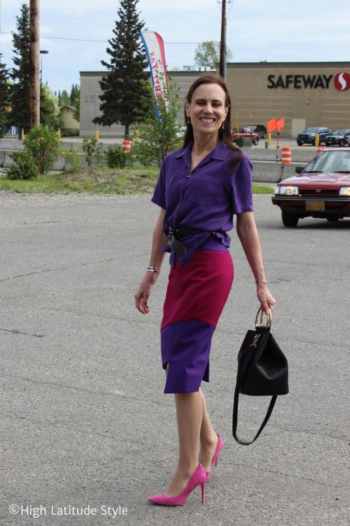 See this bold colors summer business casual separates look