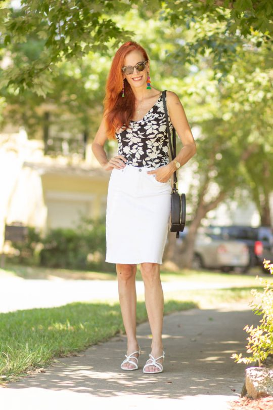 Jessica in black and white skirt and printed top look