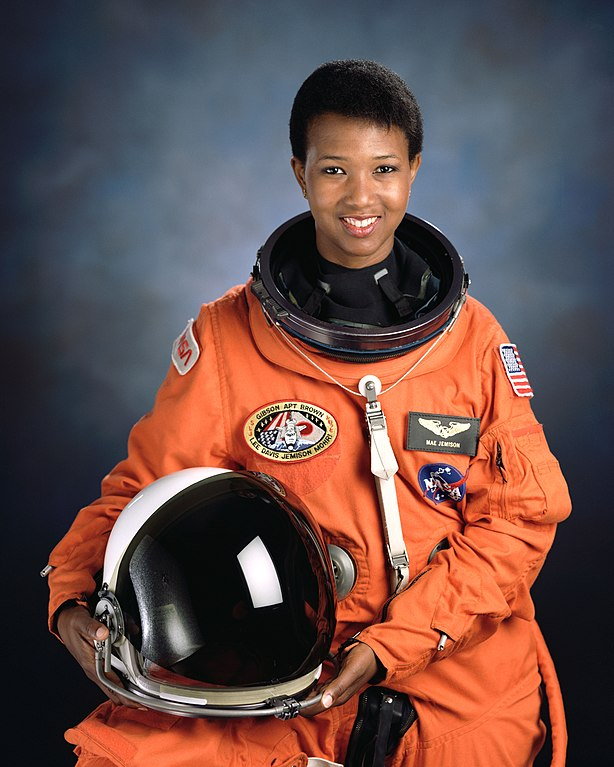 Official portrait of STS-47 Mission Specialist Mae Jemison