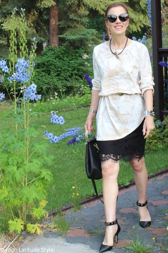 summer business casual work look with tunic and skirt