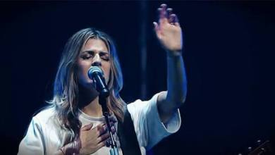 "Photo of Hillsong Worship – ""Who You Say I Am"""