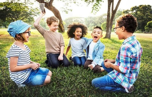 Having Friends Boosts Kids' Well-Being | Highlights