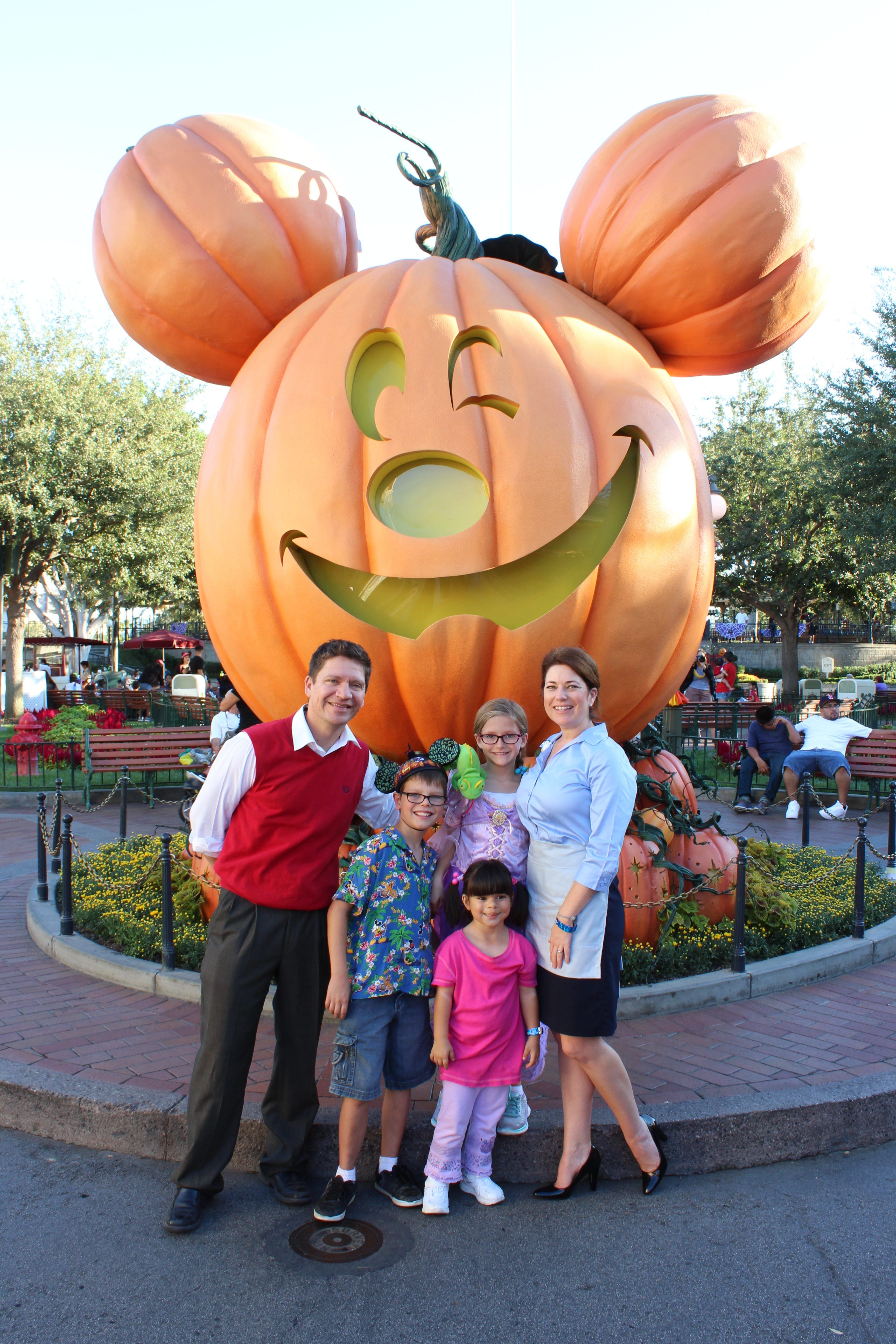 Mickey's Halloween Party 2017 is the biggest and best ever!