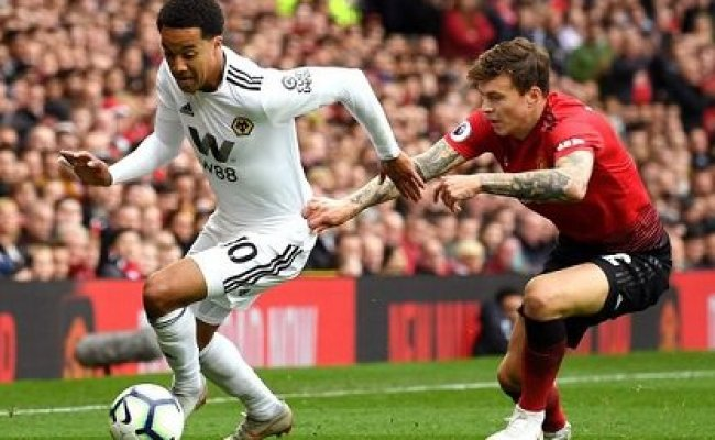 Wolverhampton Wanderers Vs Manchester United Preview