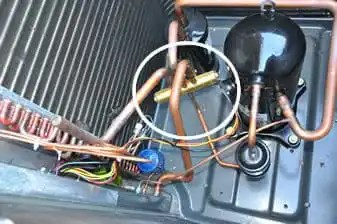 reversing valve in a heat pump