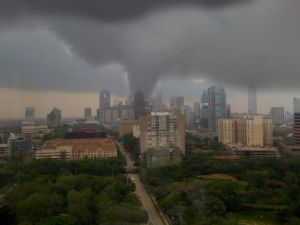 dallas-tornado-from-airport