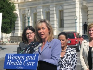 Oklahoma-Governor-Mary-Fallin-Vetoes-Abortion-Bill-650x488