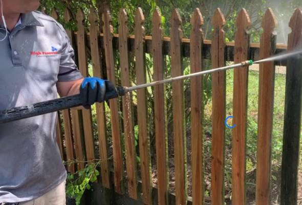 Pressure Cleaning a Picket Fence