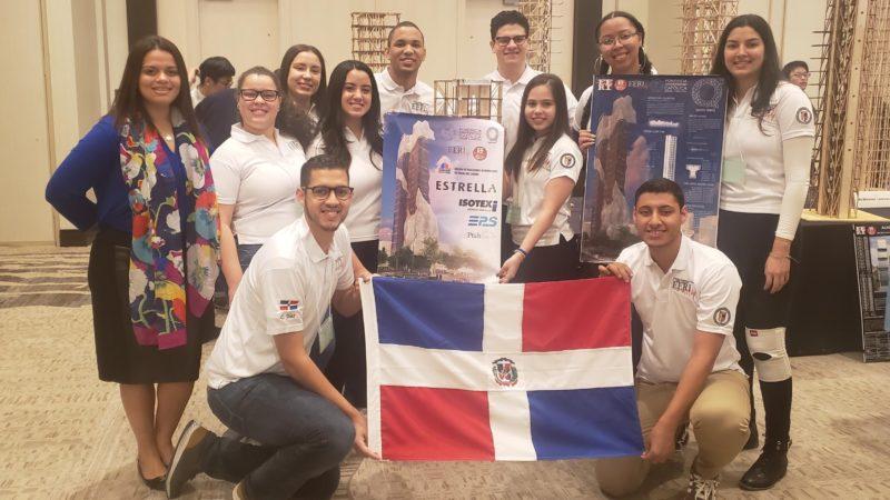Estudiantes dominicanos reciben premio a la innovación estructural