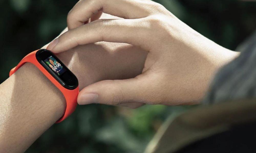 Xiaomi Mi SmartBand 4, más pantalla y más color