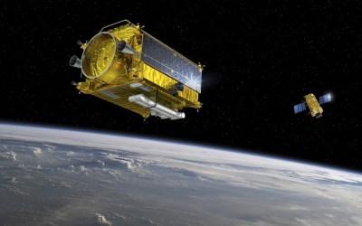 La primera misión para retirar basura espacial será lanzada en 2025